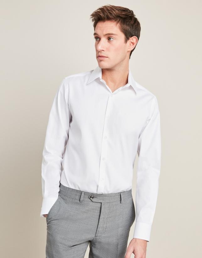 Chemise de costume en coton structurée en blanc