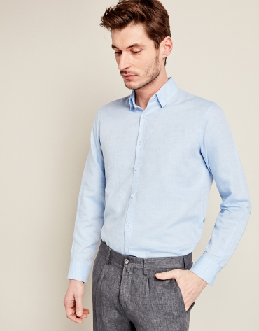 Light blue linen sport shirt with geometric design