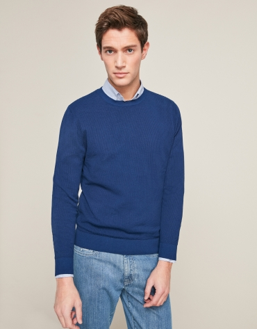 Blue structured sweater with round neck