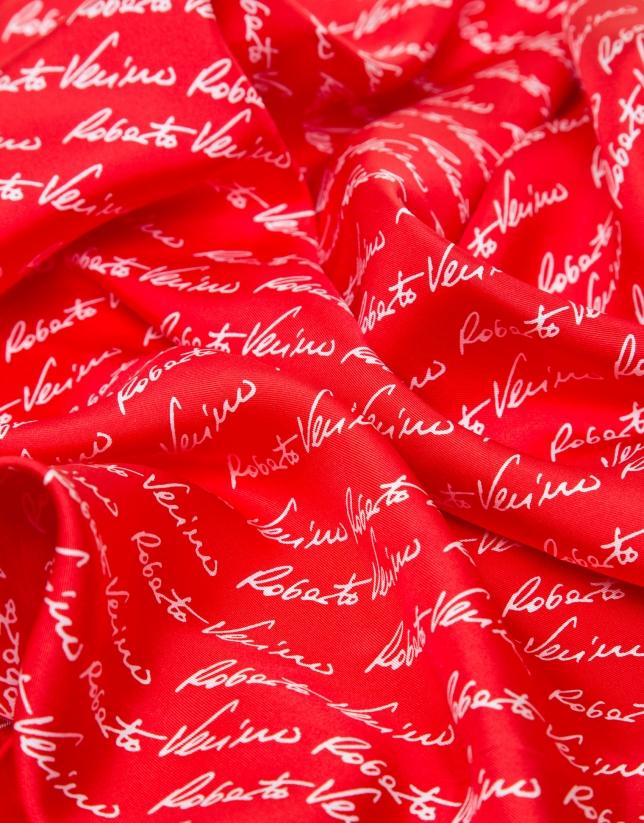 Foulard en soie rouge avec logos Roberto Verino