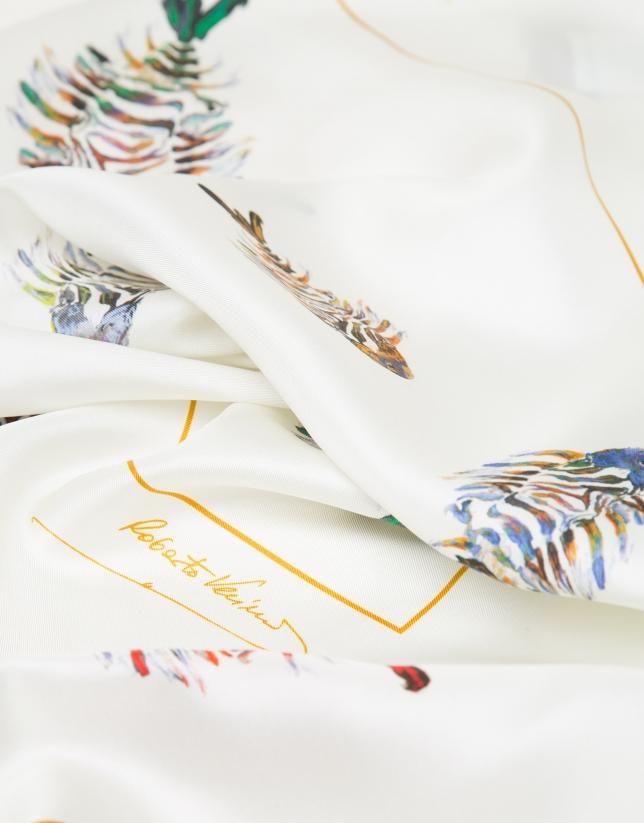Foulard en soie écru imprimé de poissons