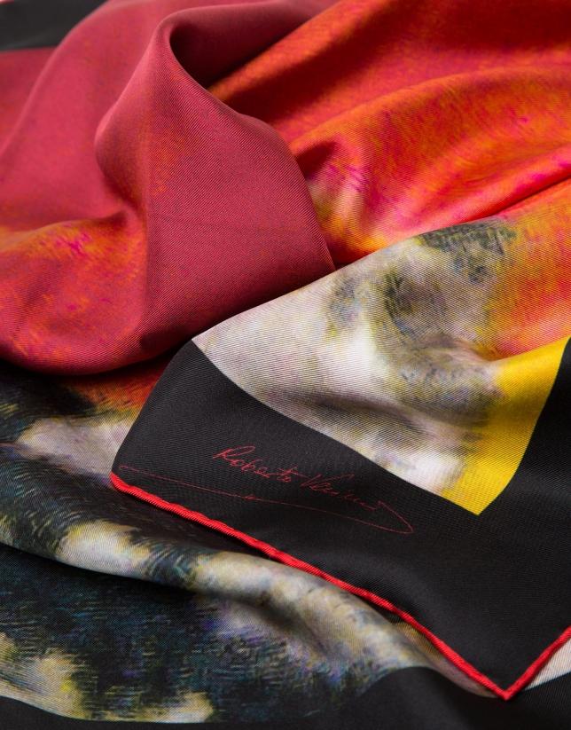 Pañuelo seda estampado floral rojo enmarcado