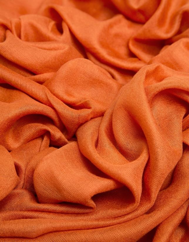 Foulard liso naranja con remate de logos