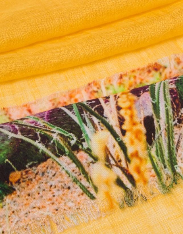 Etole en lin et viscose couleur ocre imprimé