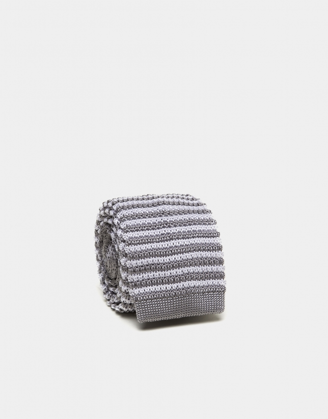 Gray/white striped knit tie