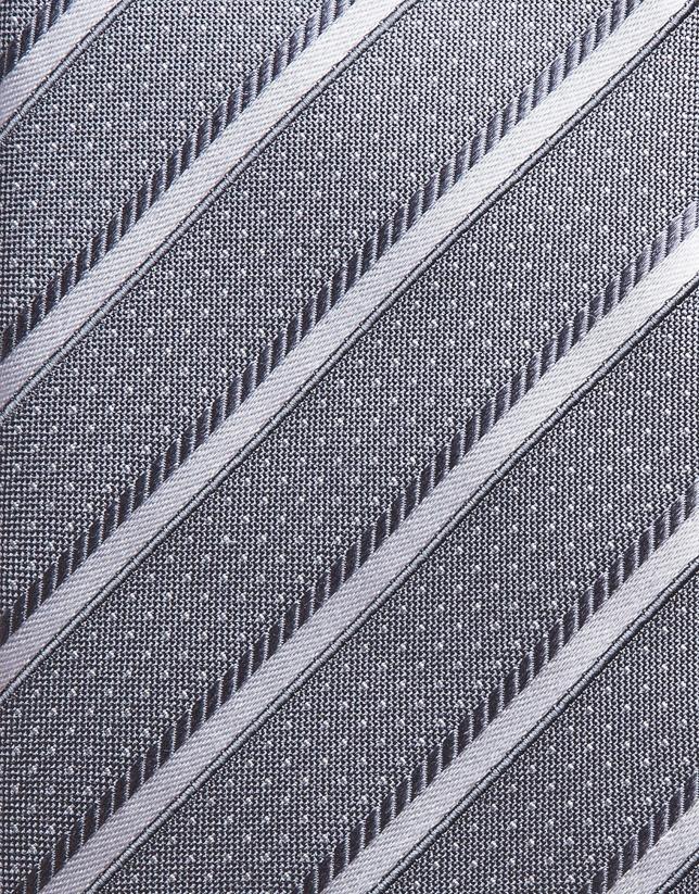Cravate en soie à rayures en gris moyen