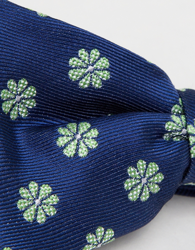 Navy blue bowtie with jacquard green daisies
