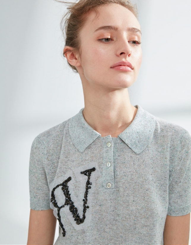 Polo punto tricotado gris con logo