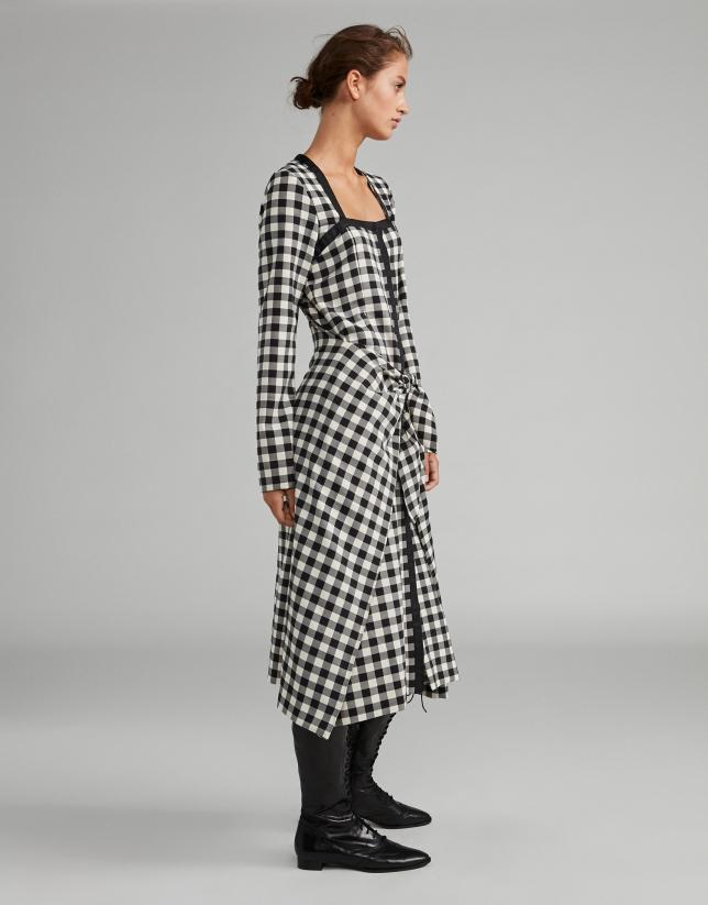 Robe effet paréo à carreaux en noir et blanc