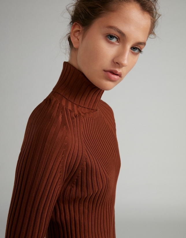 Mink-colored ribbed sweater with turtle neck