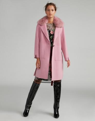 Manteau feutré rose avec col fourrure