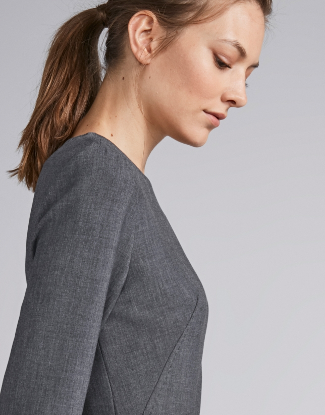 Vestido midi gris marengo con cinturón