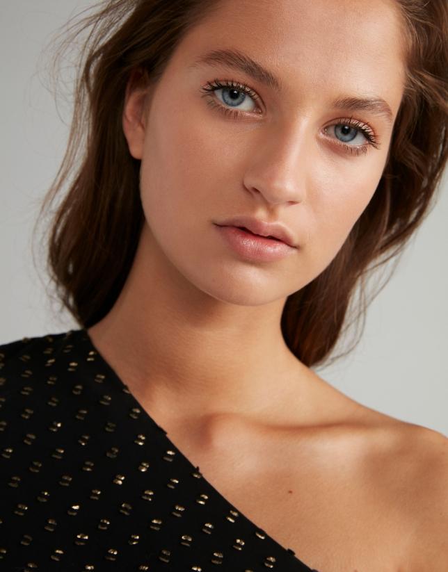 Vestido midi negro escote asimétrico