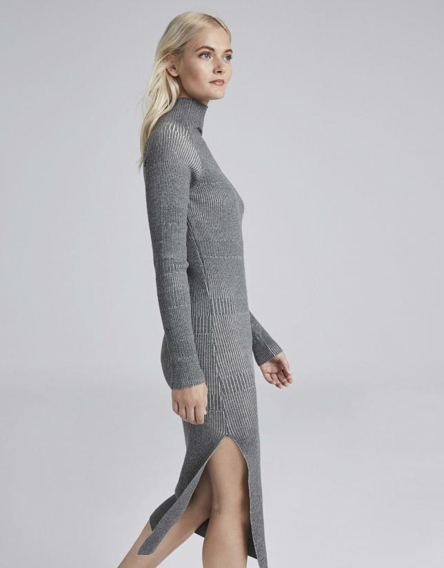 Vestido midi en punto gris
