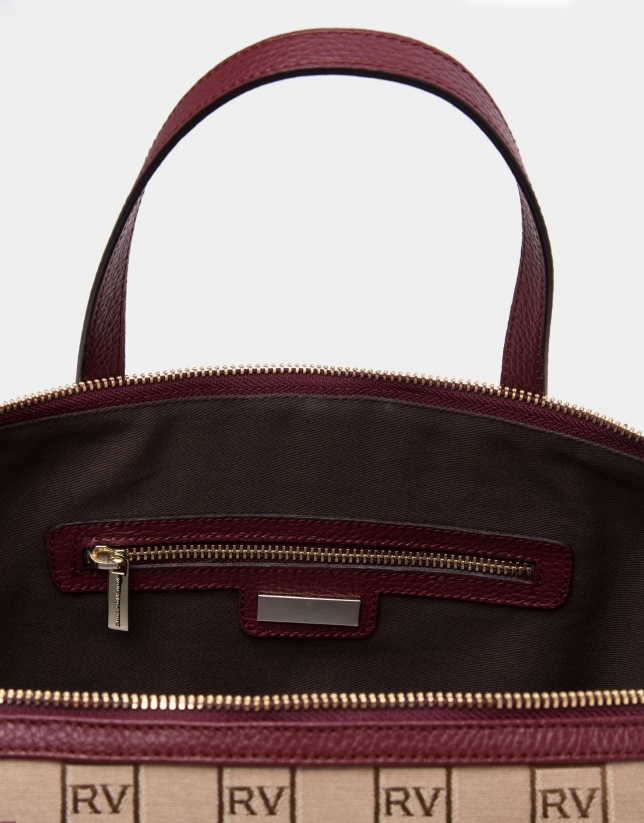 Burgundy Uve canvas bowling bag with RV logos