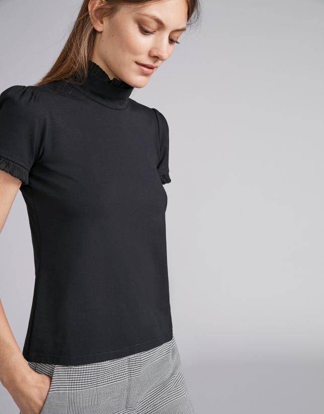 Camiseta manga corta cuello chimenea
