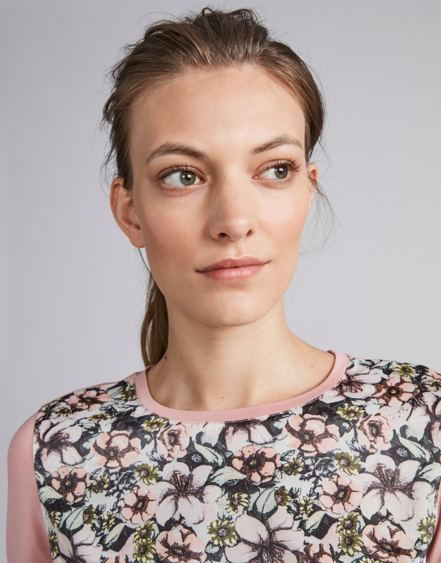 Camiseta gris estampado floral