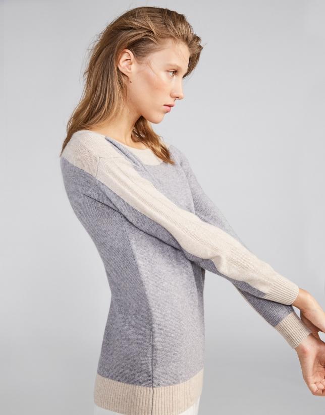 Pull bicolore encolure dégagée couleur argent