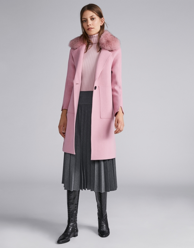 Pink ribbed sweater with turtle neck