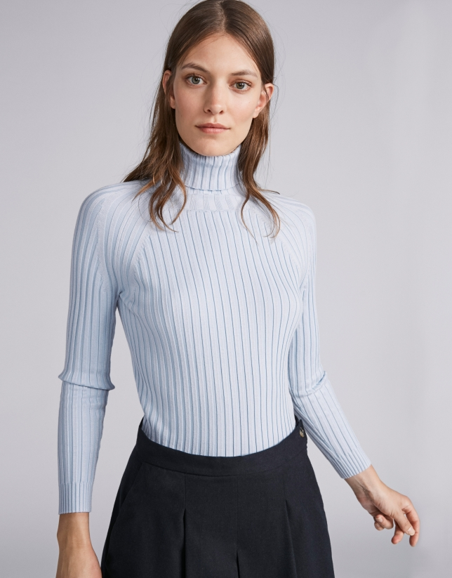 Light blue ribbed sweater with turtle neck