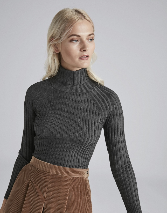 Marengo gray ribbed sweater with turtle neck