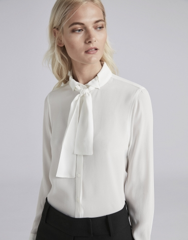 Camisa crudo con cuello corbata