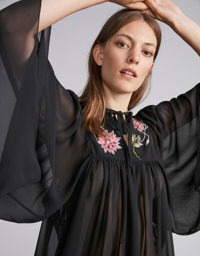 Flowing smock embroidered shirt