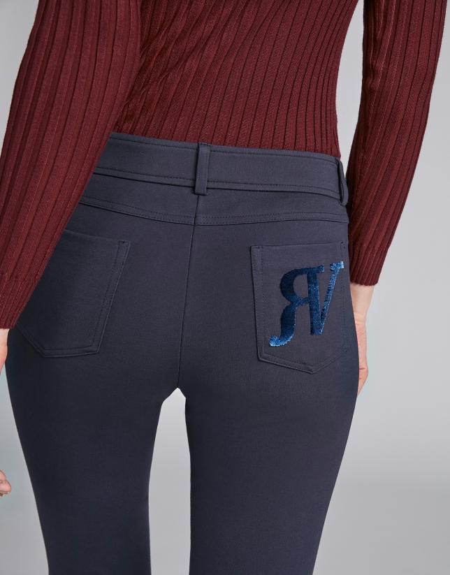 Pantalón cinco bolsillos pitillo azul marino