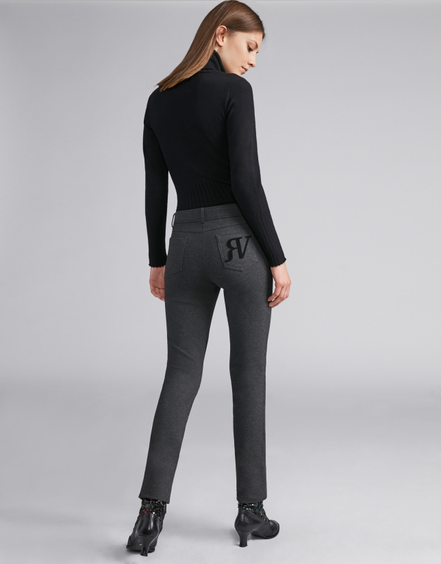 Pantalón cinco bolsillos pitillo gris marengo