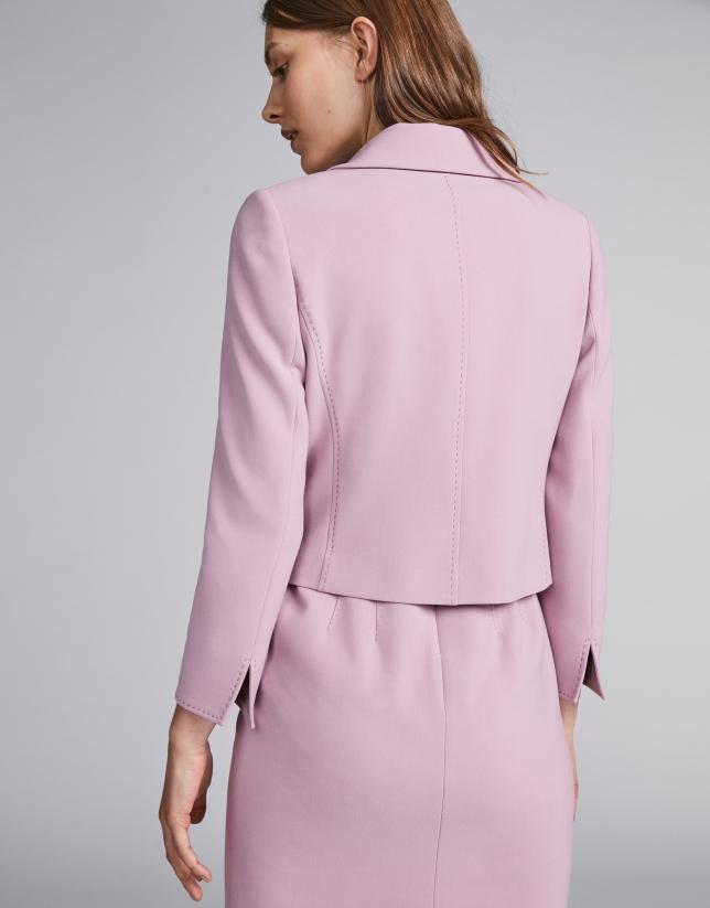 Chaqueta corta entallada en rosa