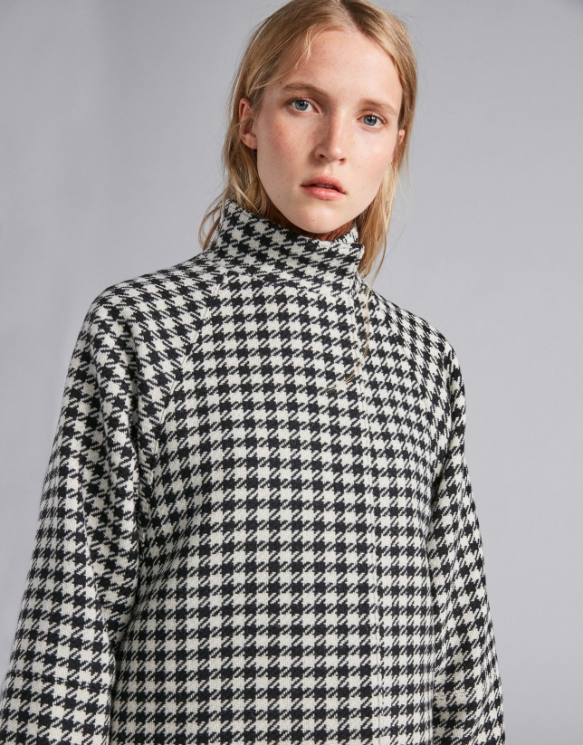 Black and white checked cape jacket