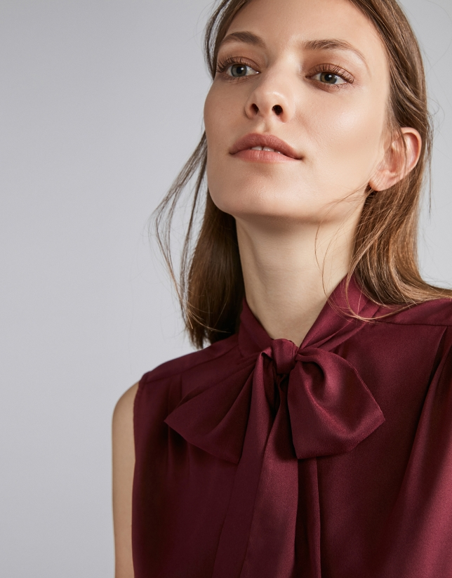 Burgundy top with bow collar