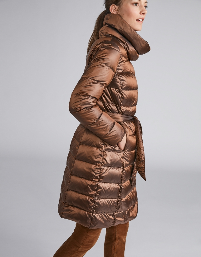 Coffee-colored long ski jacket with belt