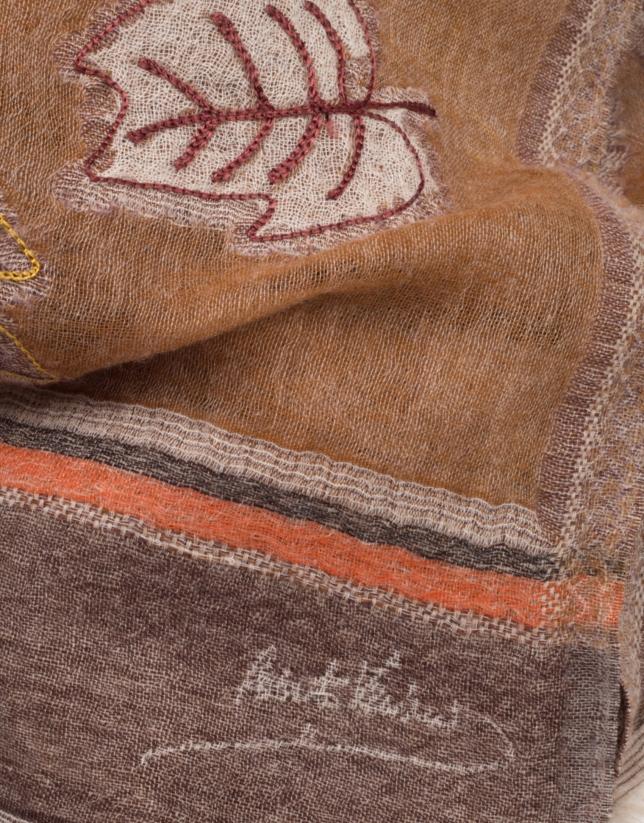 Camel wool foulard with large leaf print
