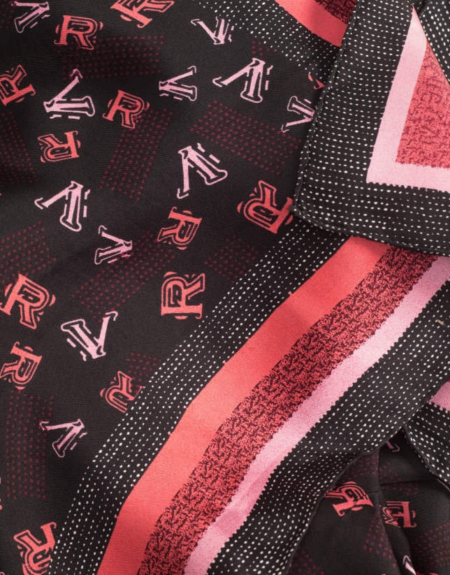 Pañuelo seda granate letras RV