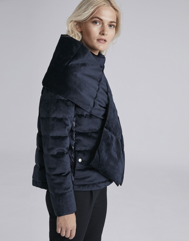 Navy blue quilted scarf