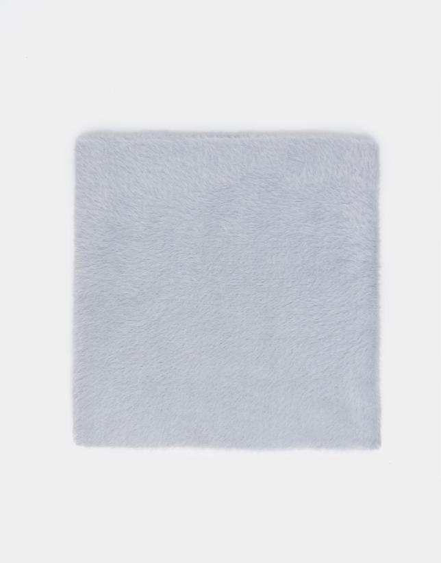 Tour de cou en maille gris perlé