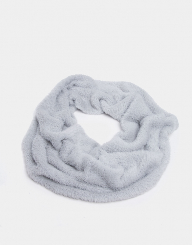Pearl gray knit tubular scarf