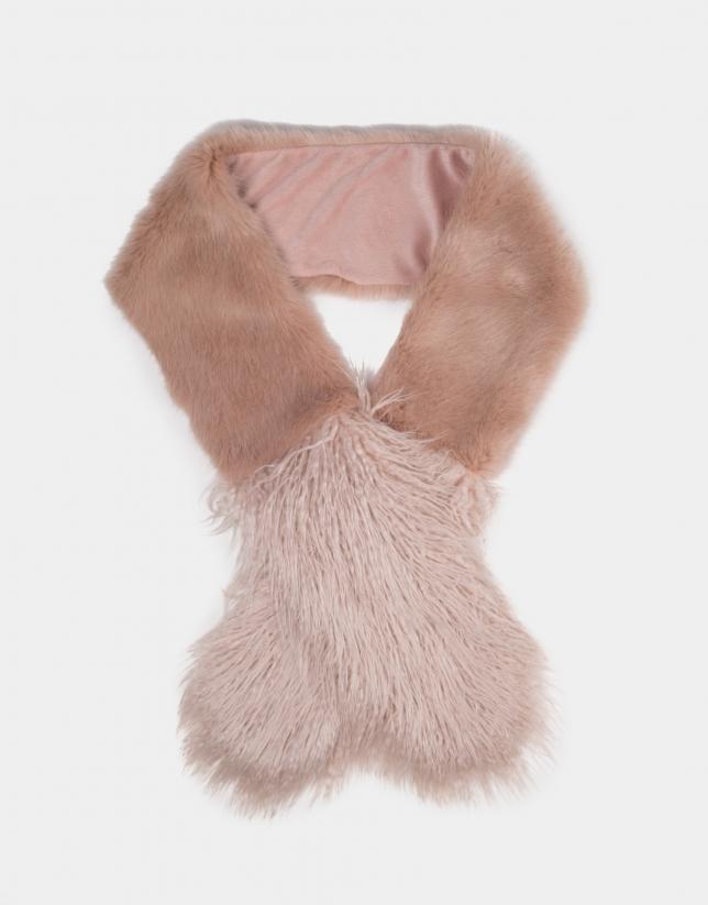 Pink fur-effect scarf