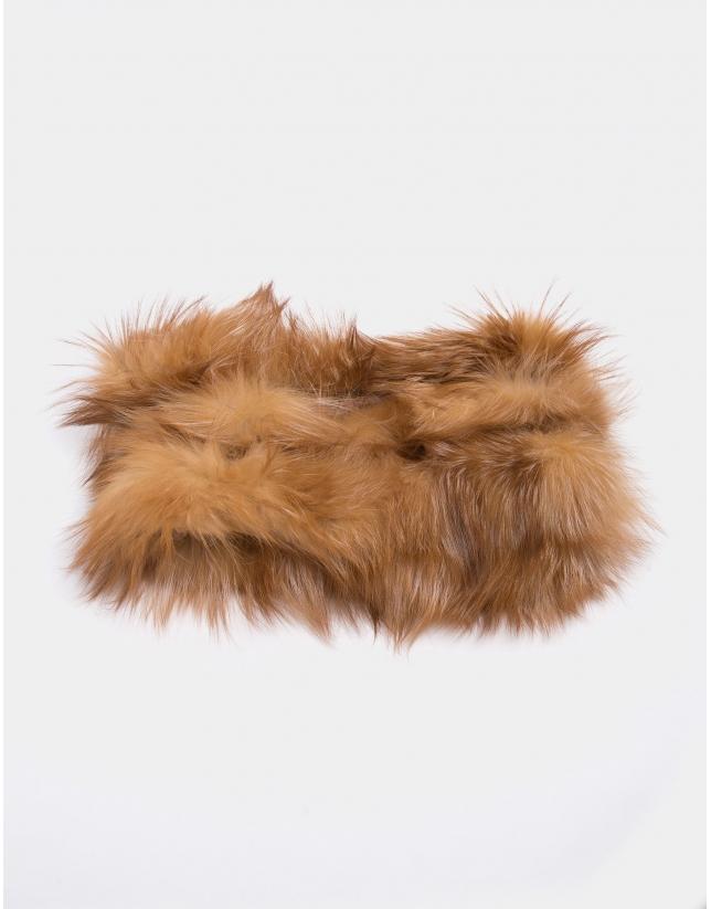 Beige fox fur tubular scarf