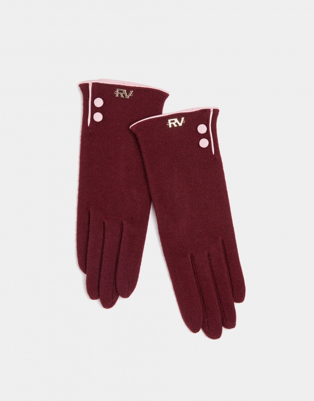 Burgundy knit gloves