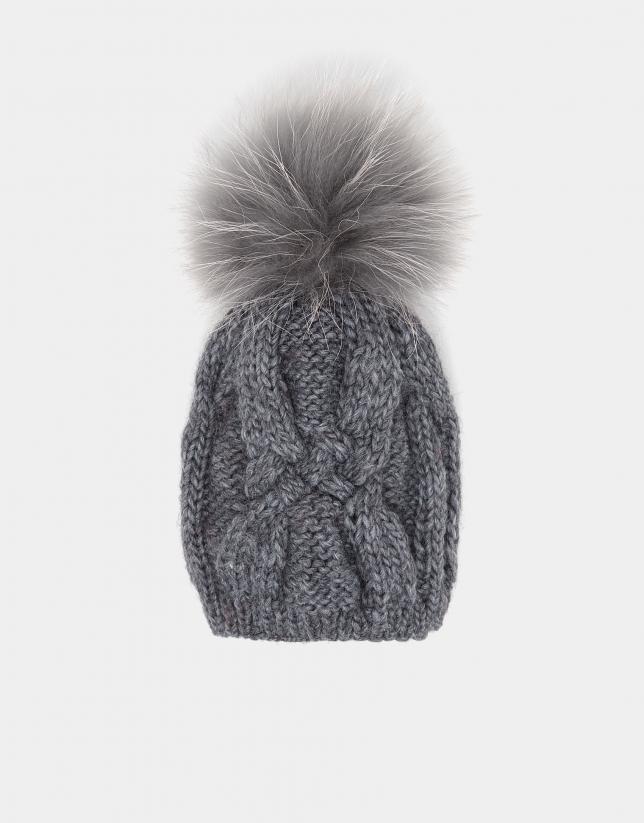 Gorro de punto de lana gris claro