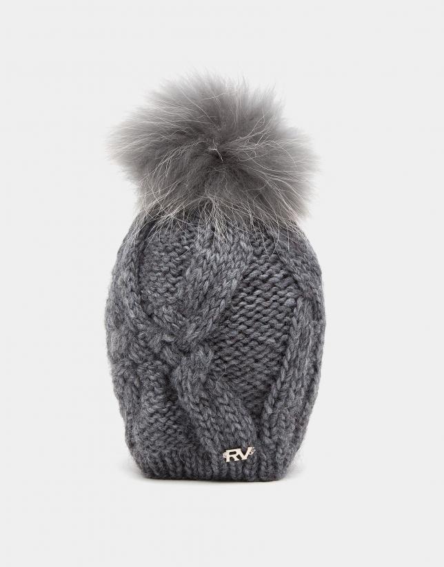 Bonnet en maille de laine gris clair