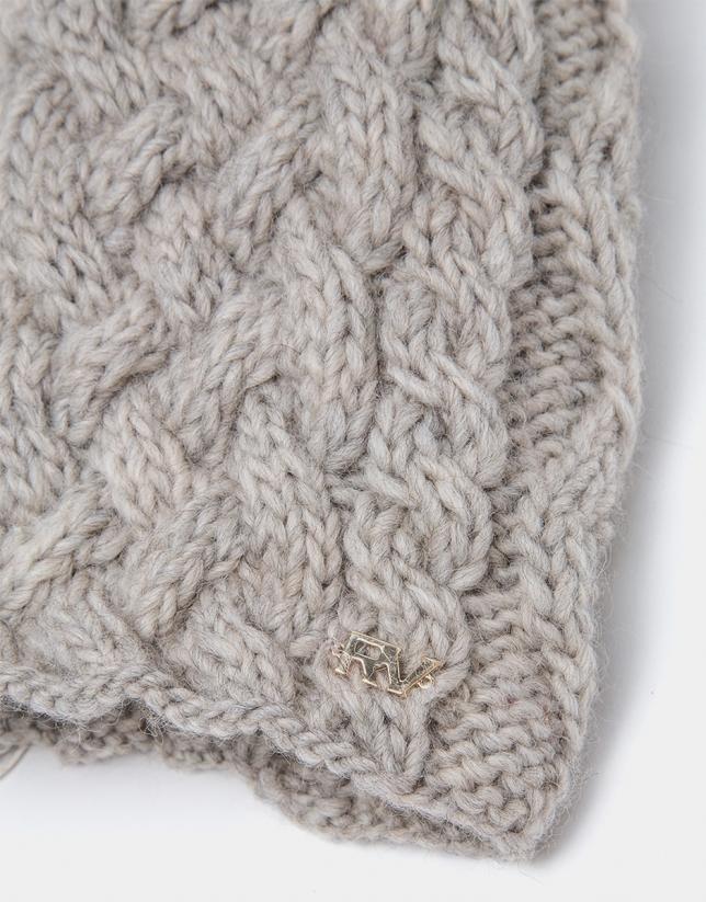 Beige wool knit cap