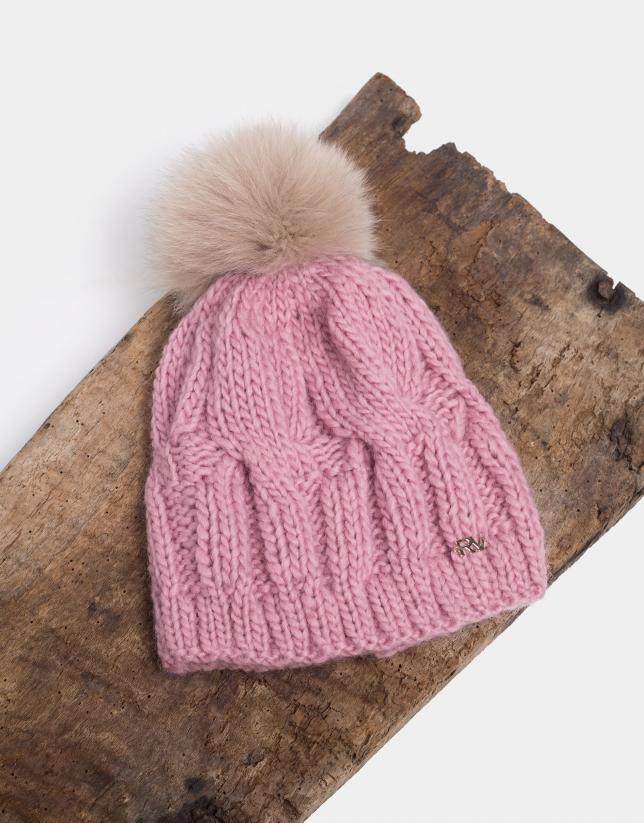 Bonnet en maille de laine rose
