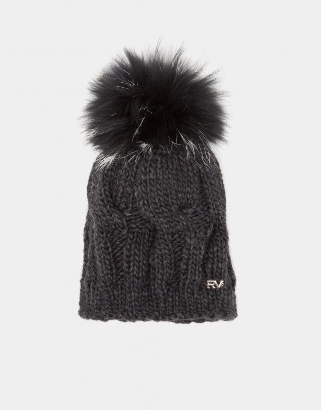 Bonnet en maille de laine gris perlé