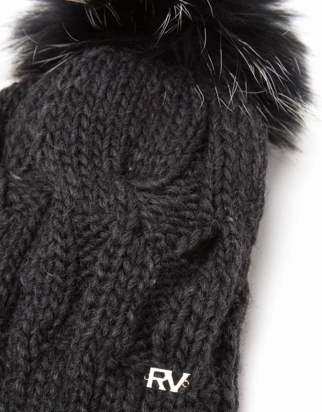 Gorro de punto de lana gris oscuro