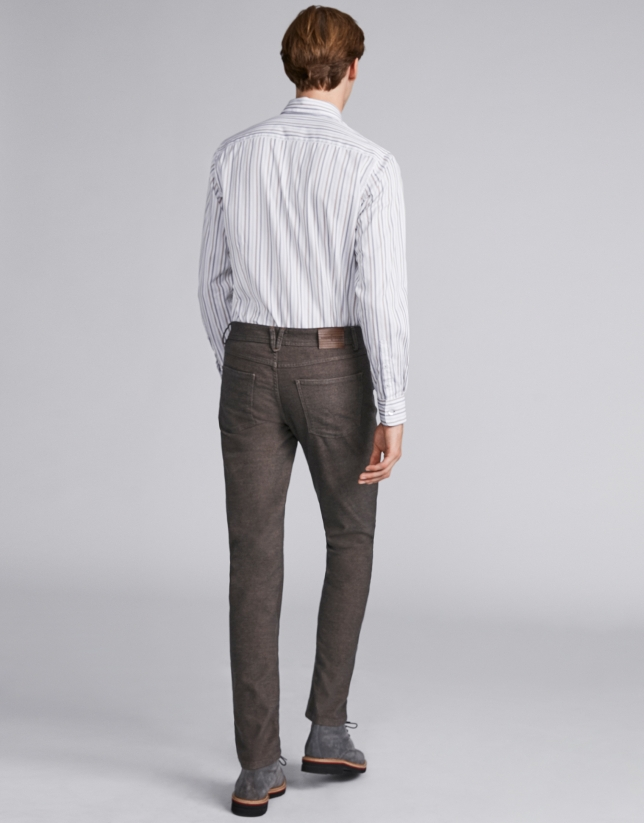 Coffee-colored pants with five pockets