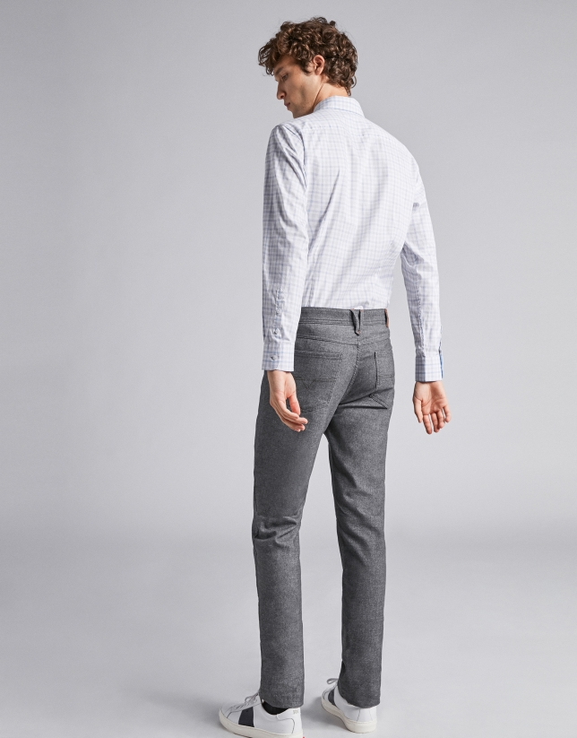 Grey pants with five pockets