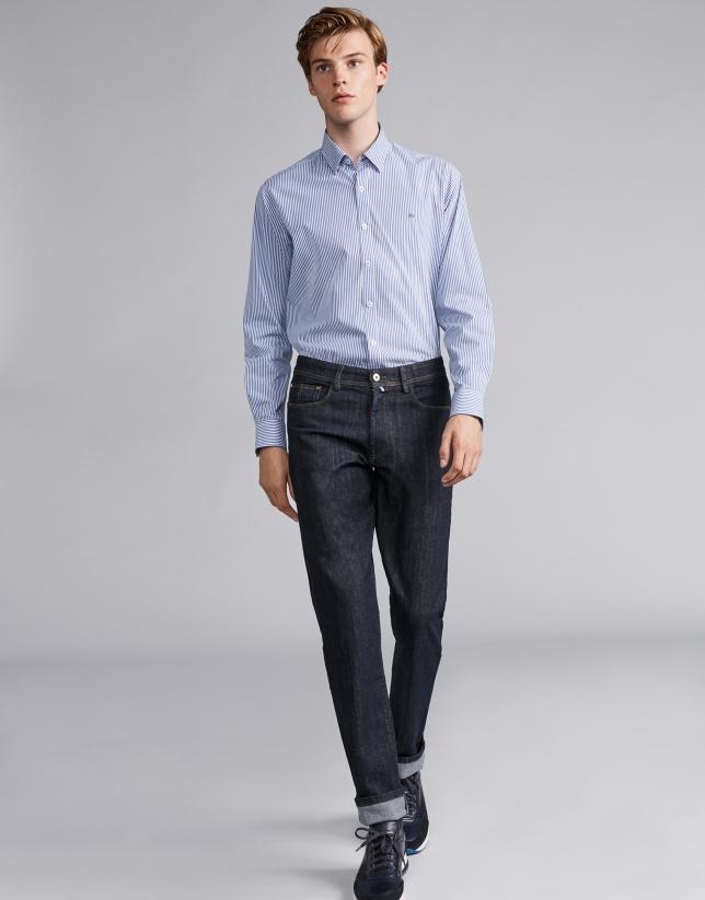 Pantalón vaquero azul lavado descrudado